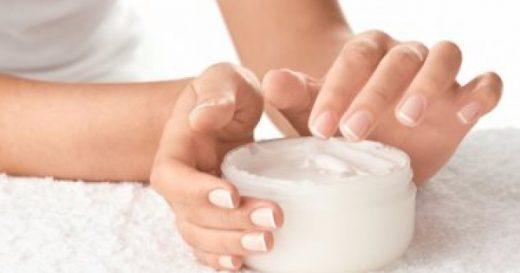 محلول ازالة الجلد الميت حول الاظافر