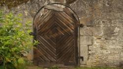 تفسير حلم الباب المخلوع