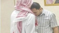 تفسير حلم تقبيل المعلم في المنام