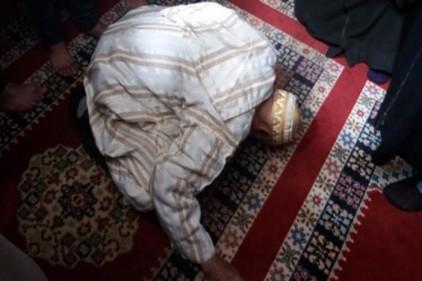تفسير حلم موت الاب وهو ساجد في المنام