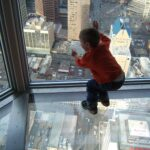 تفسير حلم سقوط ابني من الشباك