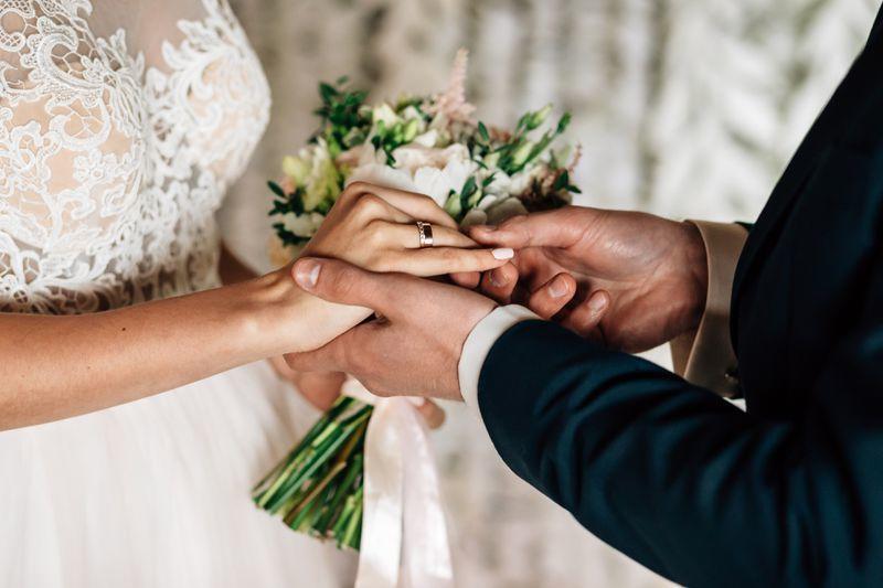 رؤيا زواج اخي وهو متزوج