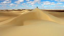 تفسير حلم صعود جبل من الرمل في المنام