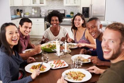 تفسير حلم تحضير الطعام للاقارب في المنام