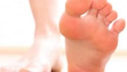 تفسير حلم قطع القدم في المنام