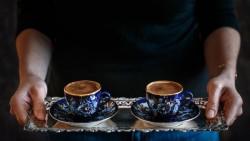 تفسير حلم تقديم القهوة في المنام