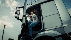 تفسير حلم رؤية السائق في المنام لابن سيرين