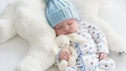 تفسير حلم ولادة ولد جميل للحامل في المنام